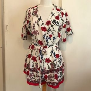 TRIXXI romper striking print  sz L